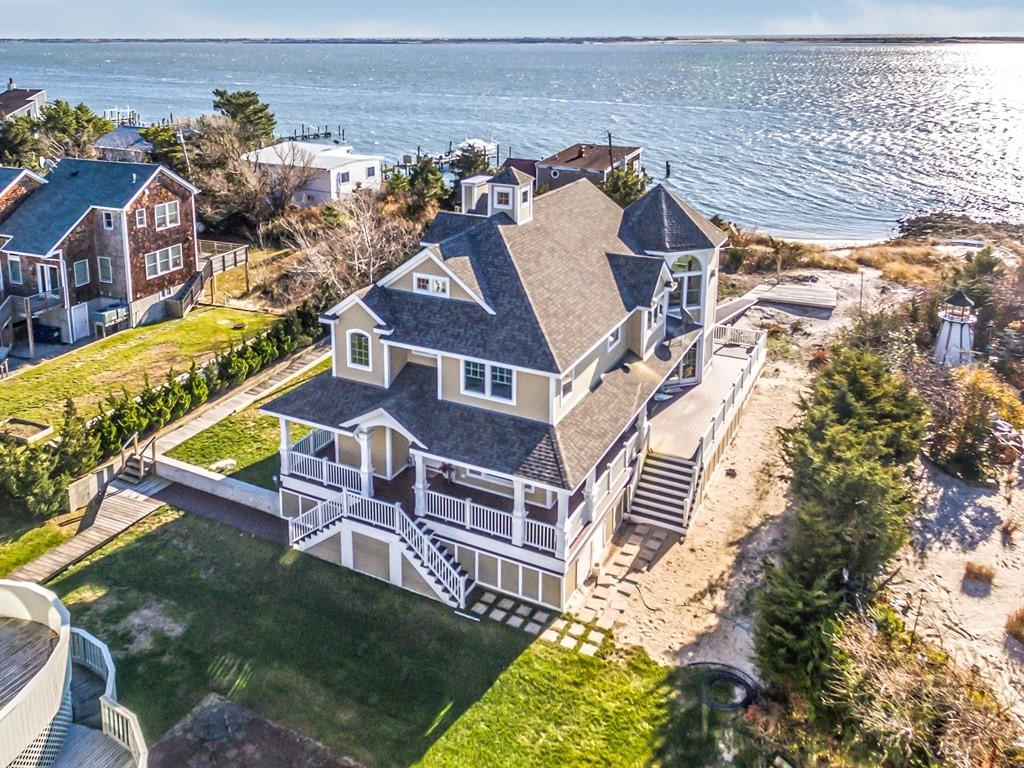 Magnificent waterfront beach home built to perfection luxury homes