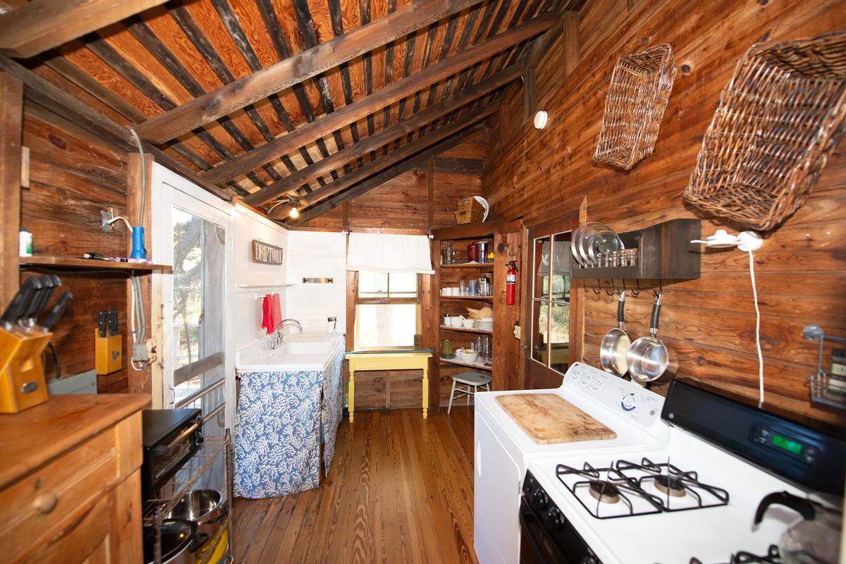 Luxury homes 91 Clipper Road Ocean Beach, NY