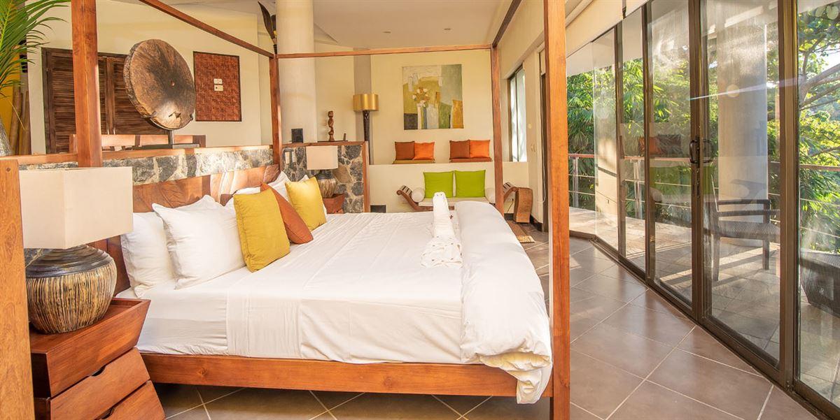 Luxury homes in Villa Perezoso