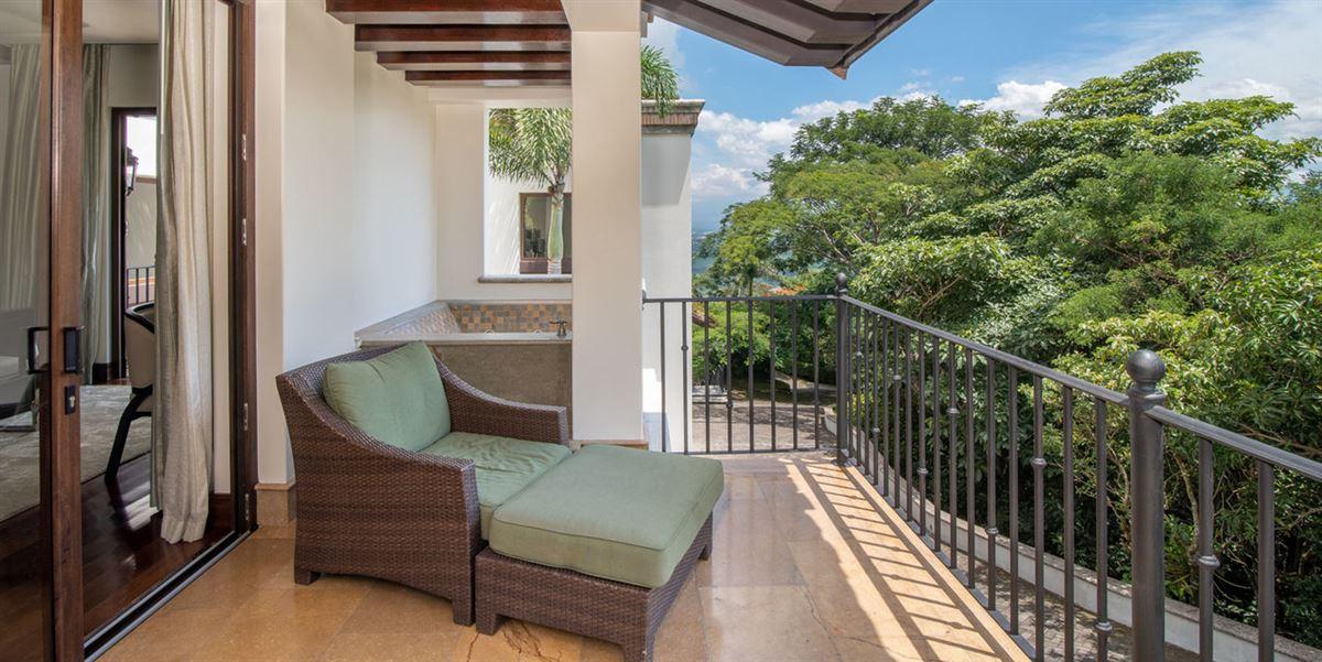 Casa Paseo de la Loma in Santa Ana luxury homes