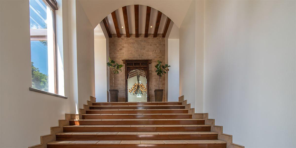 Luxury real estate Casa Paseo de la Loma in Santa Ana