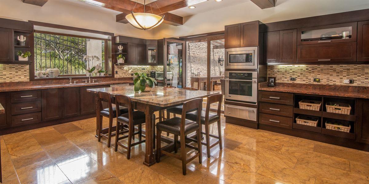 Casa Paseo de la Loma in Santa Ana luxury properties