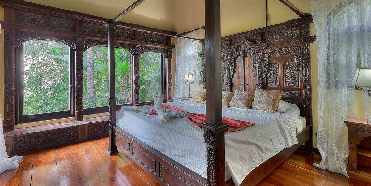Luxury real estate Shanti Mar Villa in Dominical