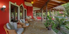 Mansions Shanti Mar Villa in Dominical