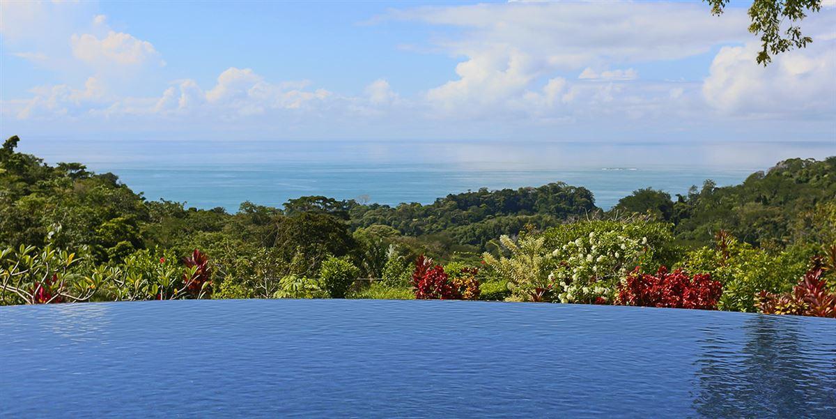 Luxury hideaway in a privileged location luxury properties