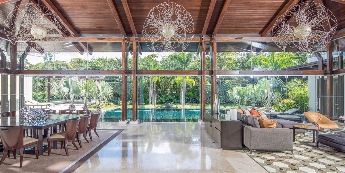 Luxury homes Tropical Dream Villa in santa ana