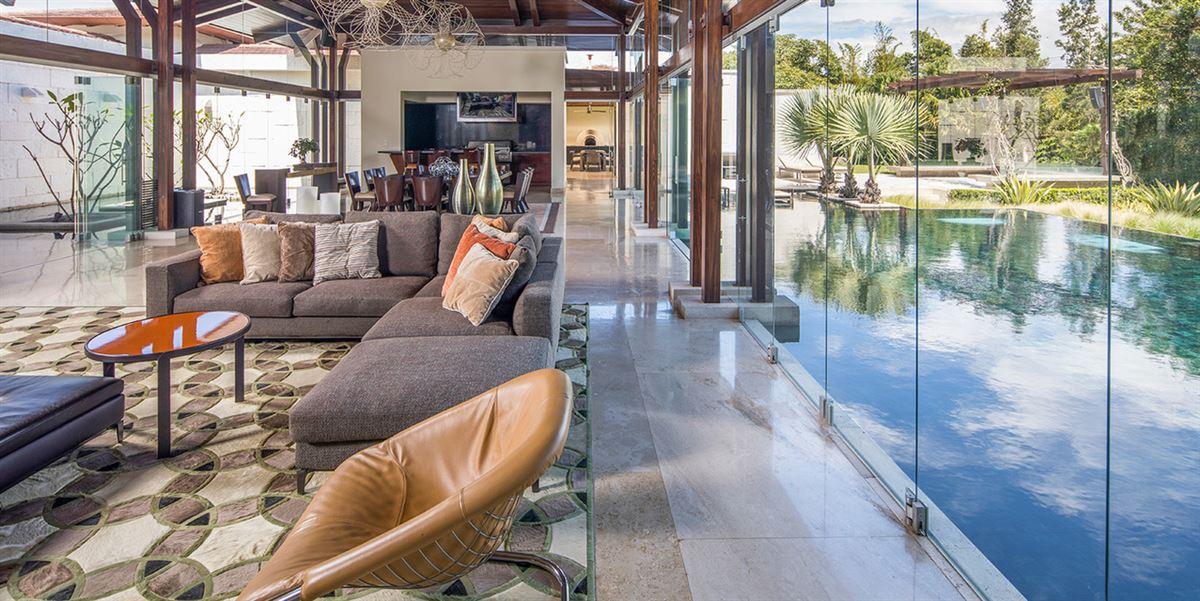 Tropical Dream Villa in santa ana luxury real estate