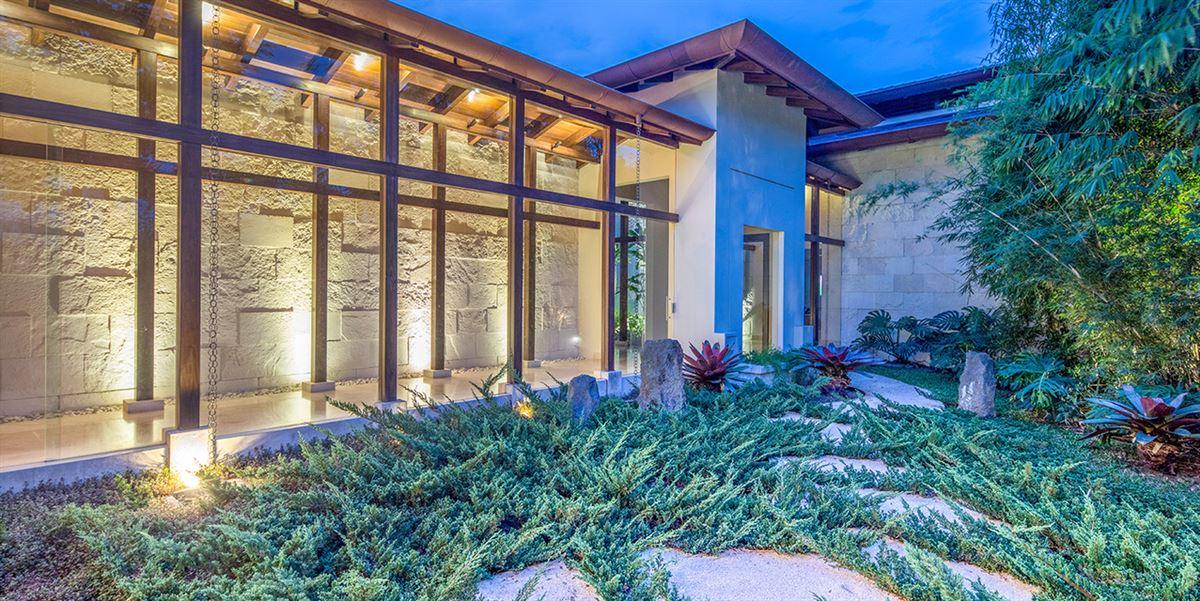 Luxury properties Tropical Dream Villa in santa ana