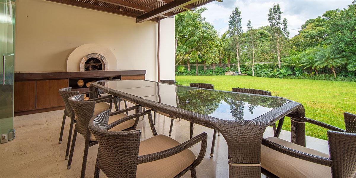 Mansions Tropical Dream Villa in santa ana