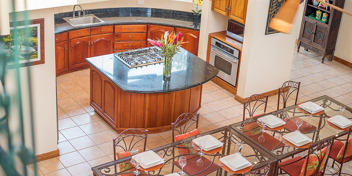 Elegant Beach Estate Located in Manuel Antonio luxury homes