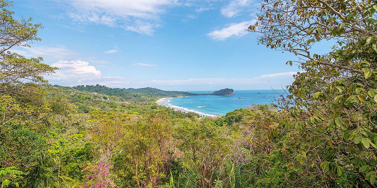 Elegant Beach Estate Located in Manuel Antonio luxury real estate