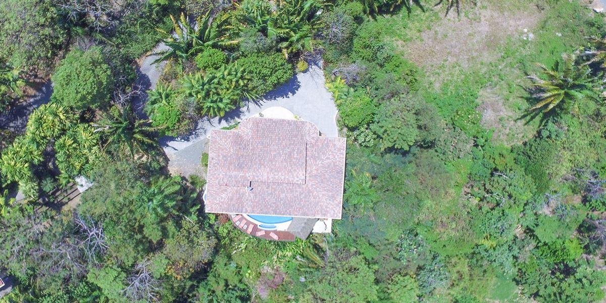 Luxury properties Elegant Beach Estate Located in Manuel Antonio