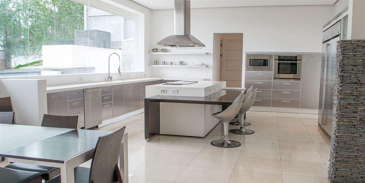 Luxury homes Contemporary living in Escazú
