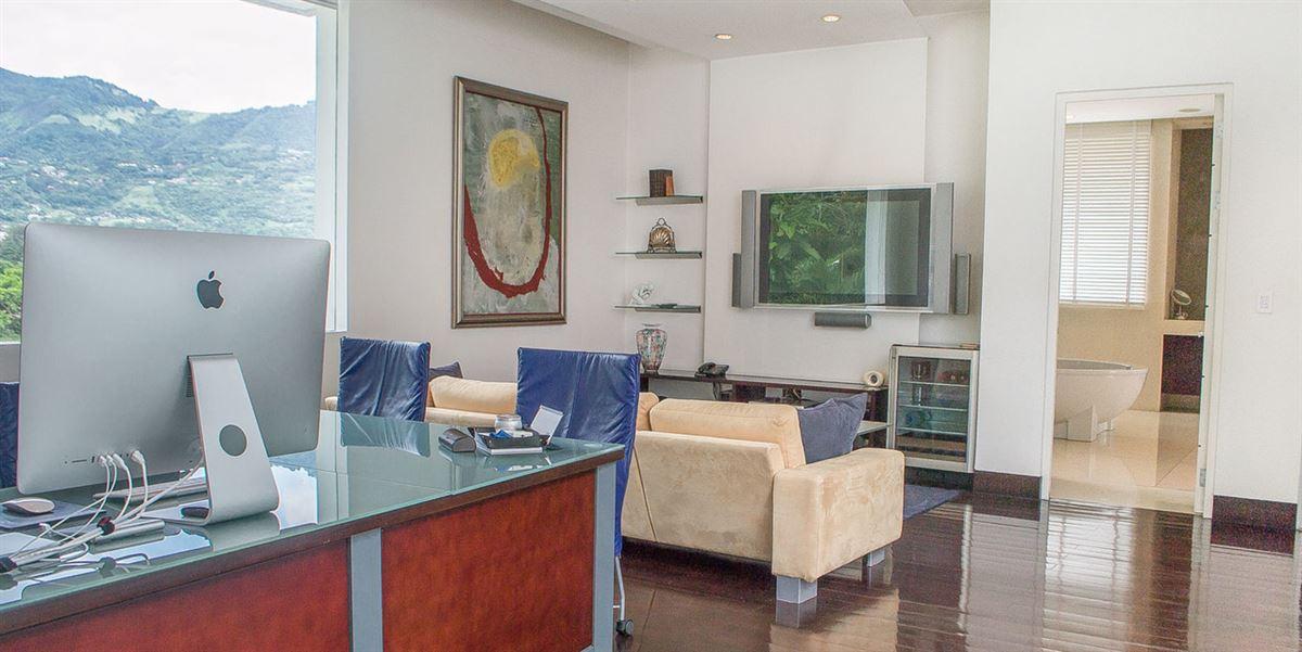 Luxury properties Contemporary living in Escazú