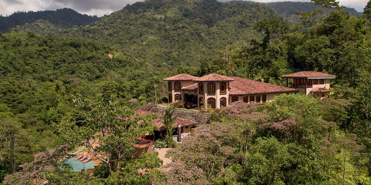 Castillo Sol luxury homes