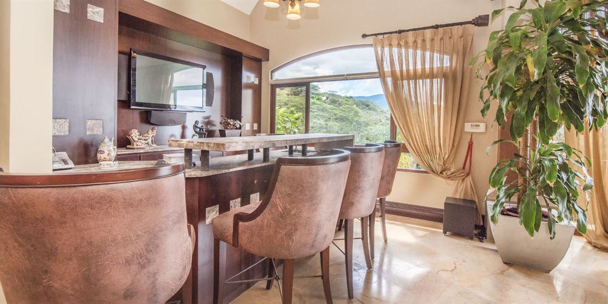 Luxury homes contemporary comfort