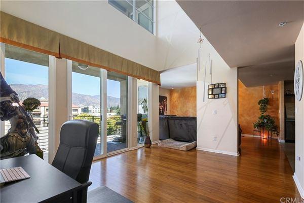 Luxury real estate gorgeous contemporary top floor unit