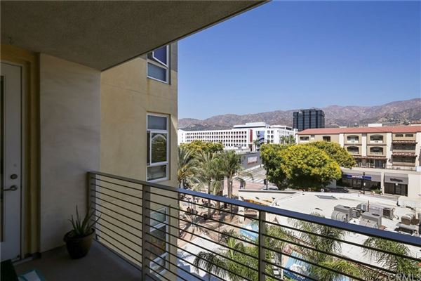 gorgeous contemporary top floor unit  luxury real estate