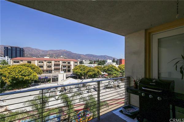 gorgeous contemporary top floor unit  luxury properties