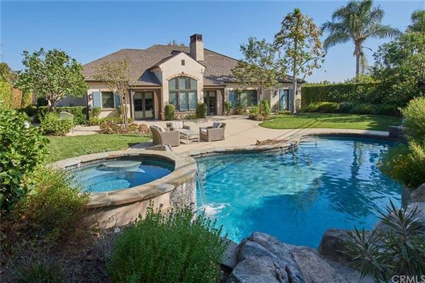 Luxury homes elegant home in prestigious Santa Anita Oaks