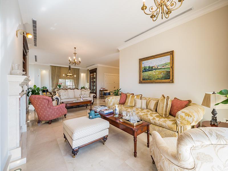 Premier Street in Mount Carmel luxury properties