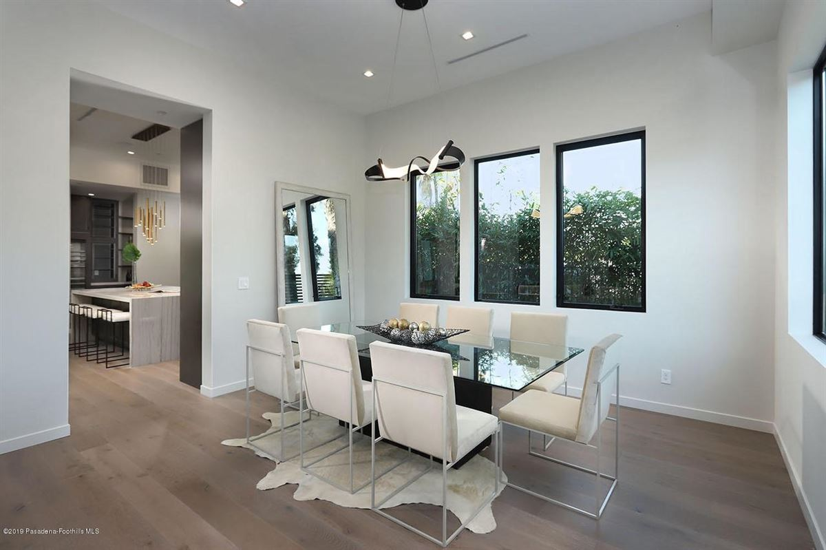 Modern masterpiece in prestigious Bel Air luxury properties