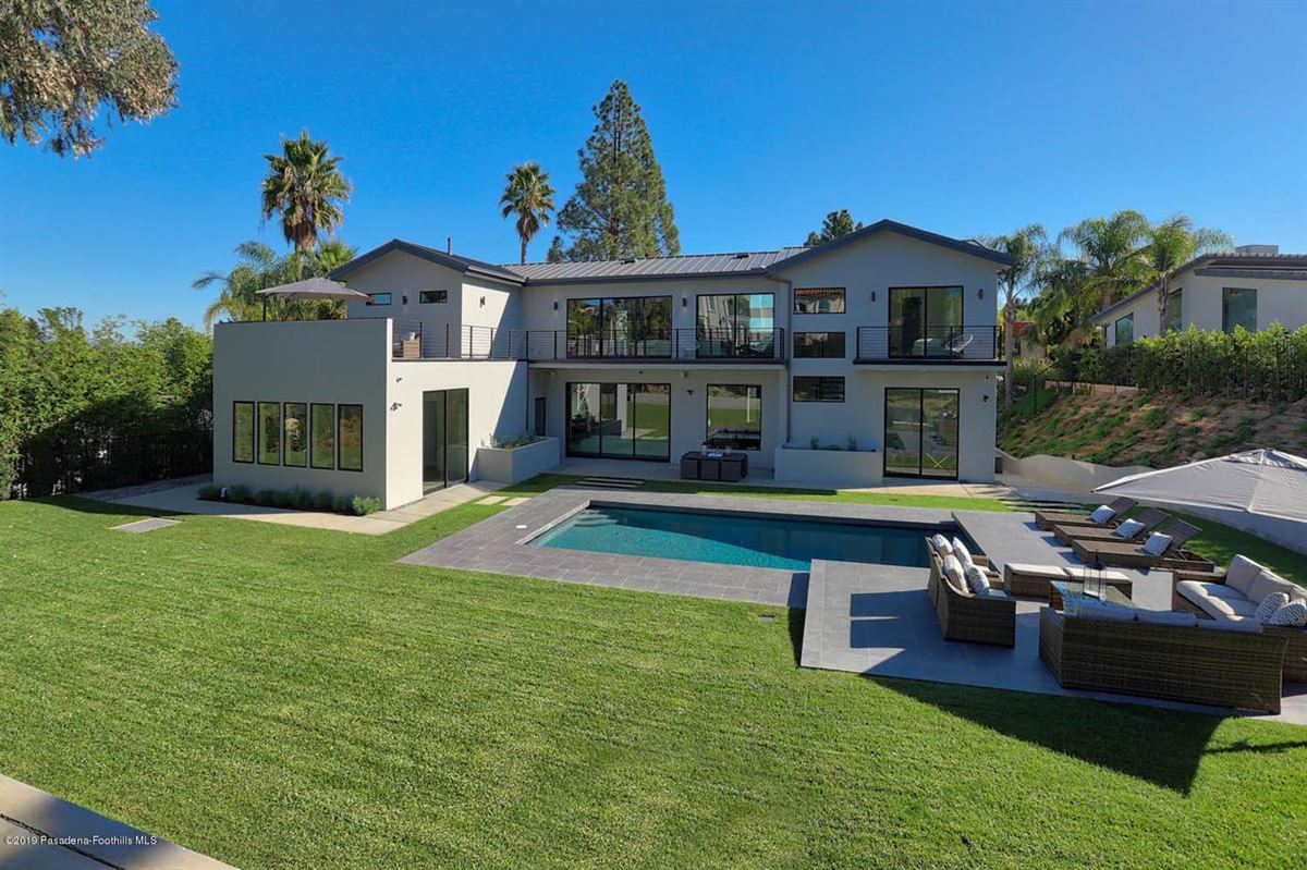 Luxury real estate Modern masterpiece in prestigious Bel Air