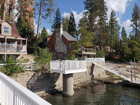 Mansions in ADORABLE 1940s LAKEFRONT CABIN