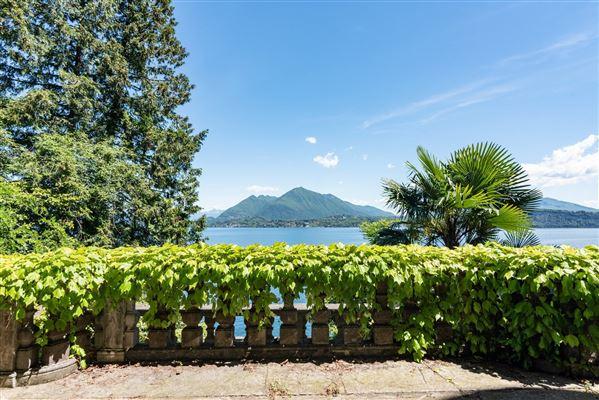 Luxury homes stresa castle