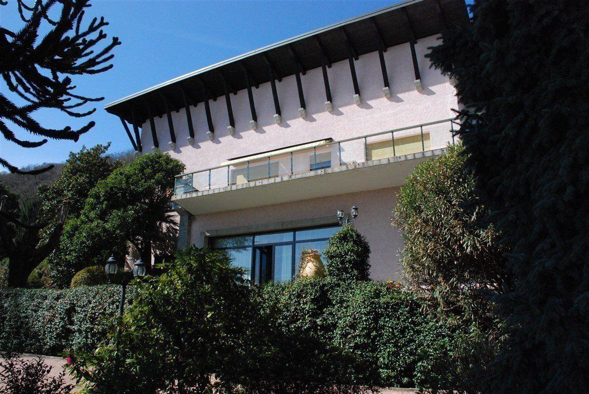 renovated villa overlooking Lake Maggiore luxury real estate