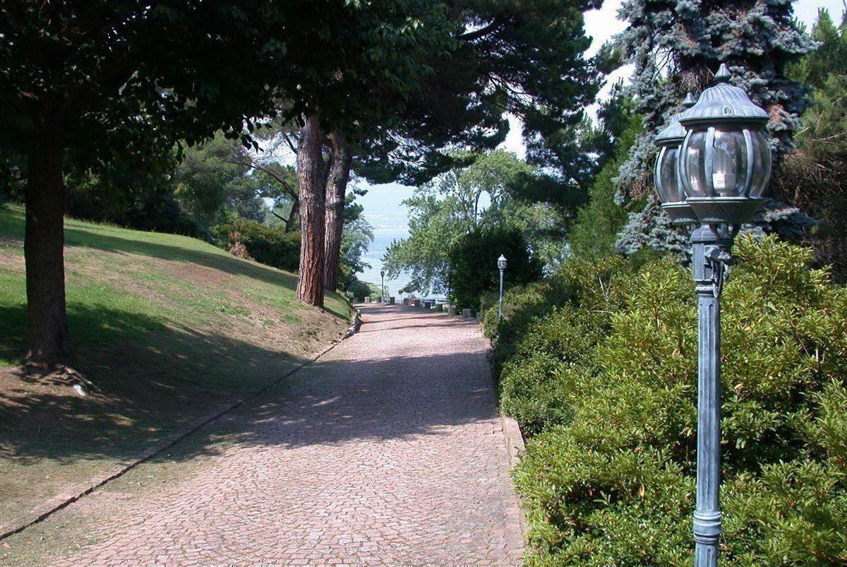 renovated villa overlooking Lake Maggiore mansions