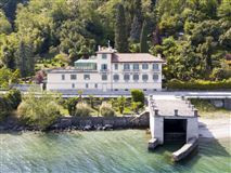 Mansions completely renovated period villa on Lake Maggiore