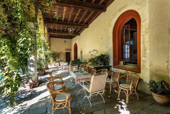 Luxury properties enchanting late 1400s dwelling