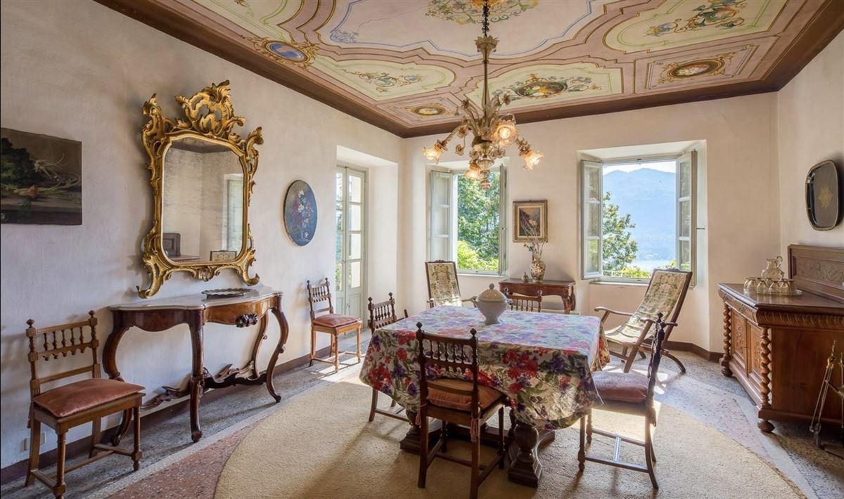 Mansions historic 1600s residence overlooking Lake Orta