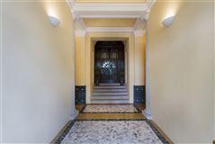 Luxury homes in carefully restored villa in orta