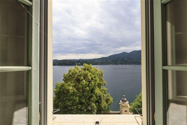 Luxury homes carefully restored villa in orta