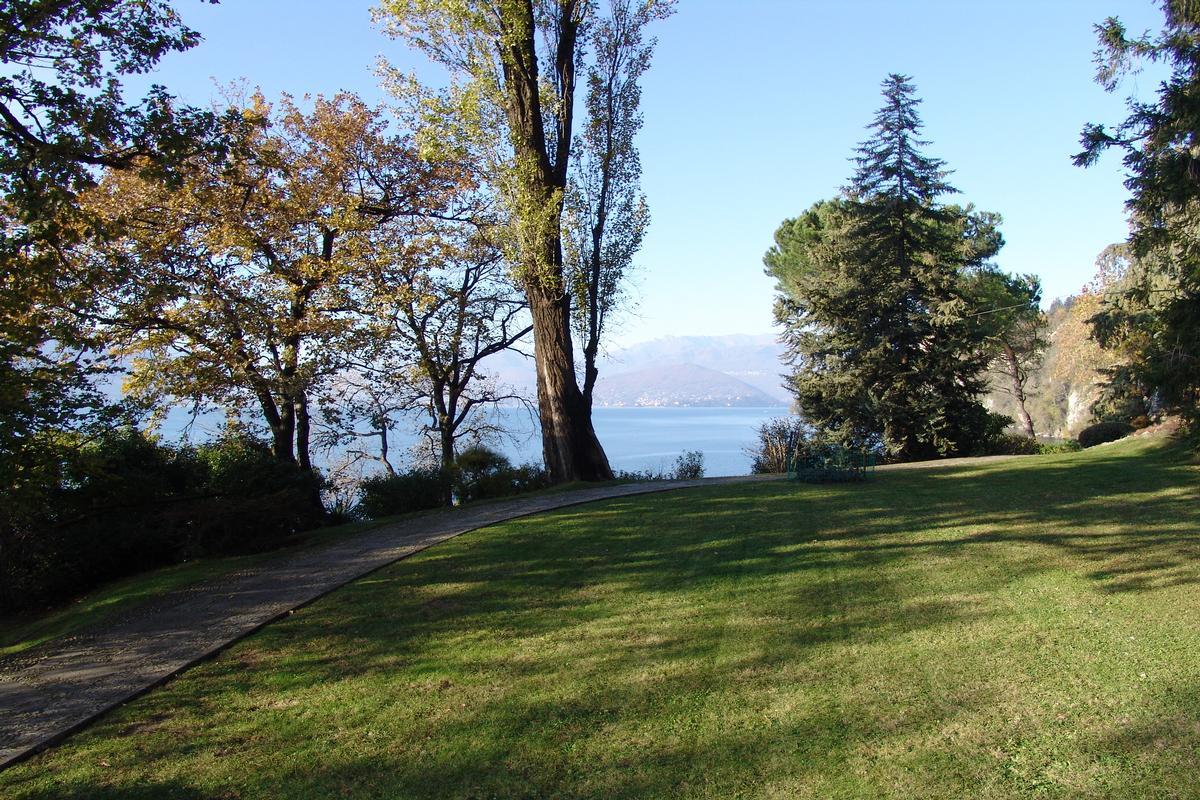 ultimate privacy on Lake Maggiore luxury real estate