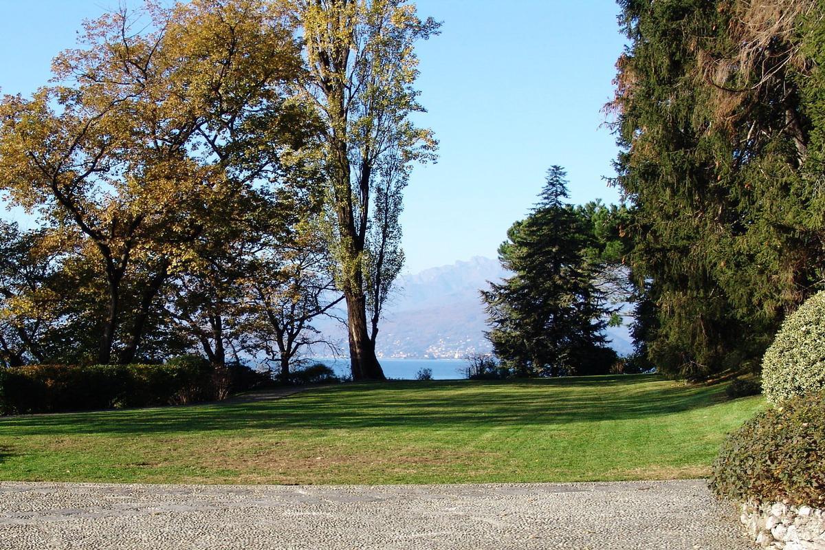 Luxury real estate ultimate privacy on Lake Maggiore