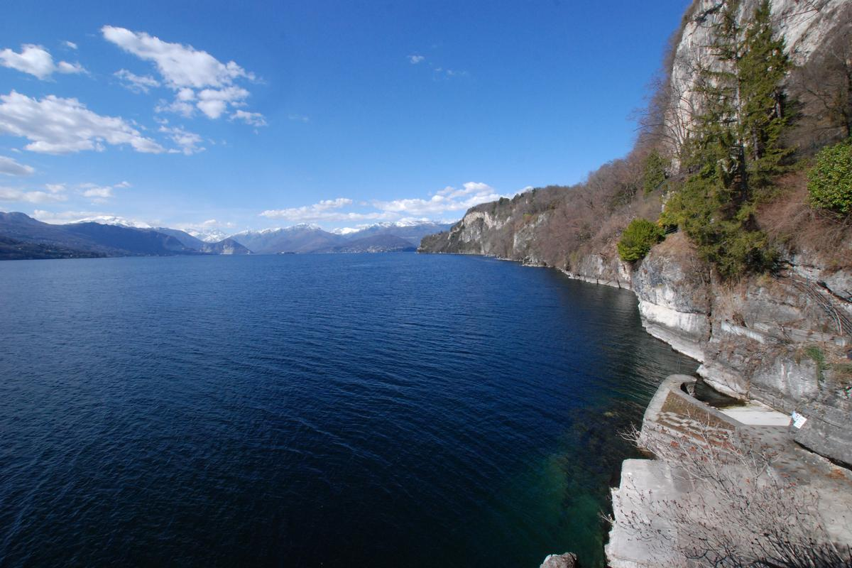 Luxury homes ultimate privacy on Lake Maggiore