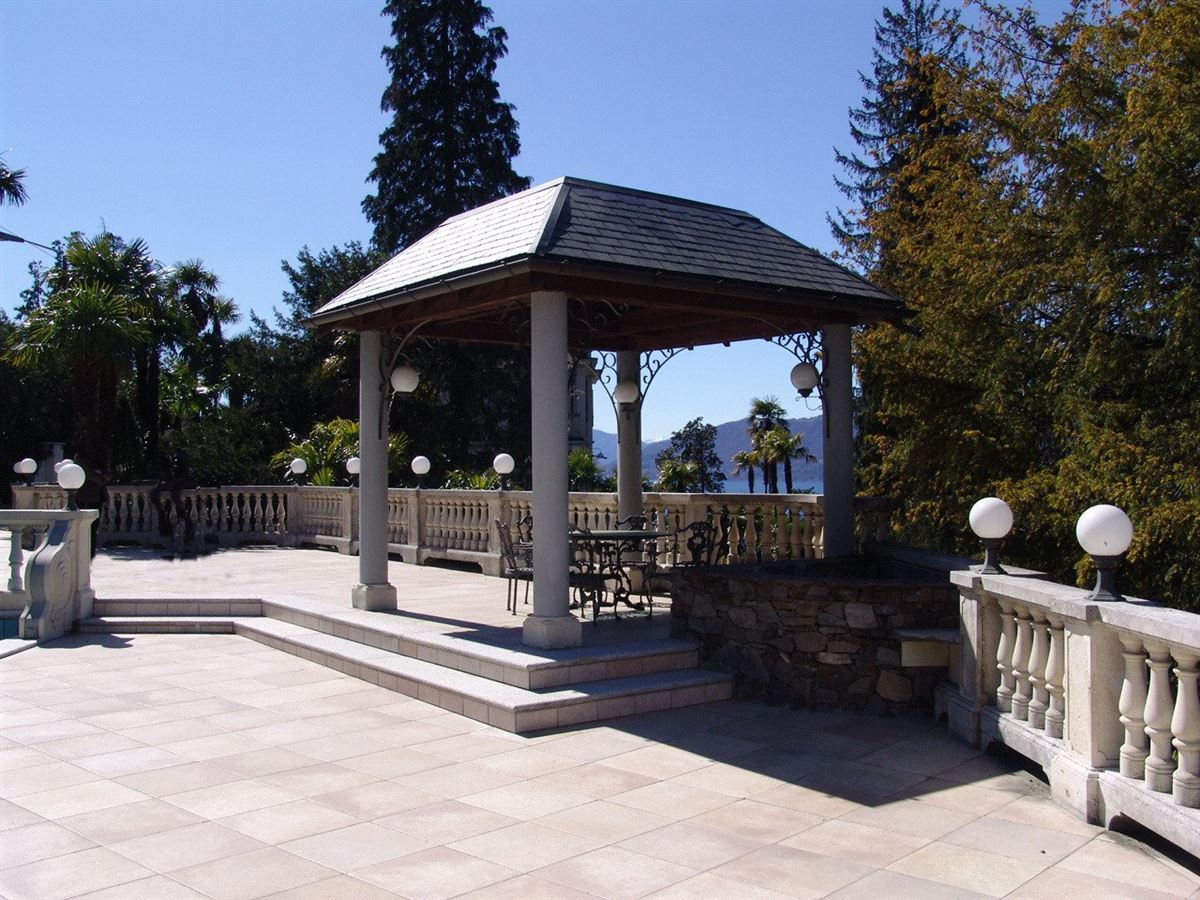 Luxury real estate splendid fully renovated villa