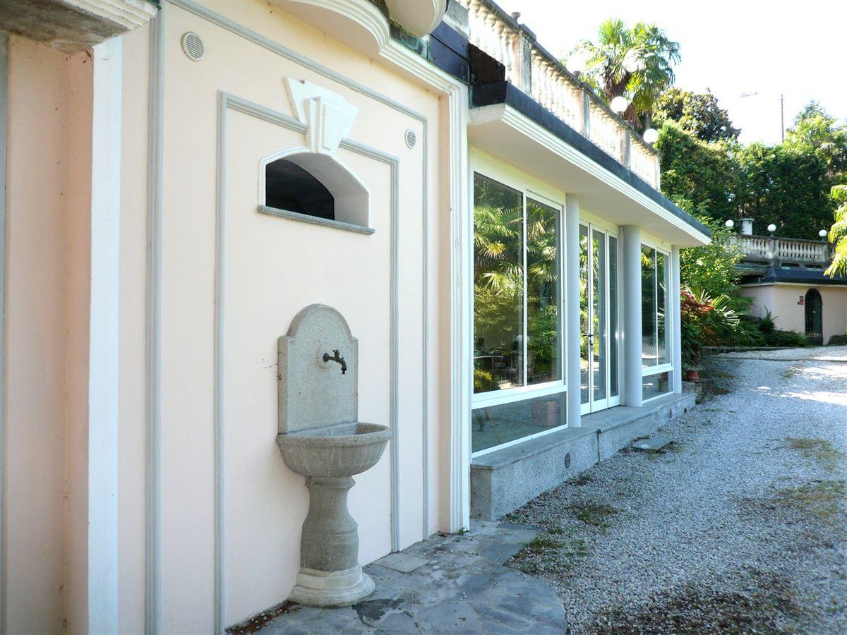 Luxury properties splendid fully renovated villa