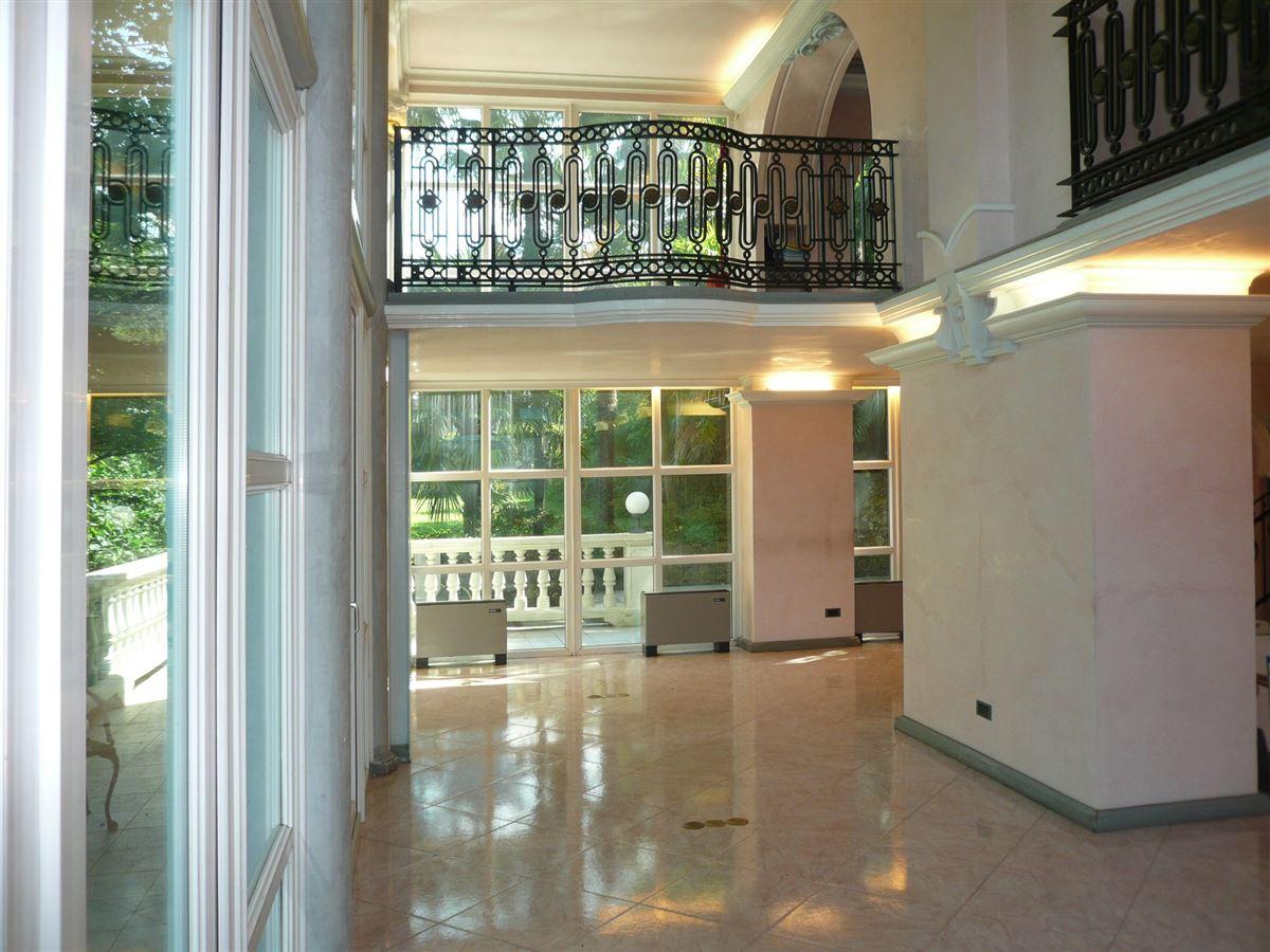 Mansions splendid fully renovated villa