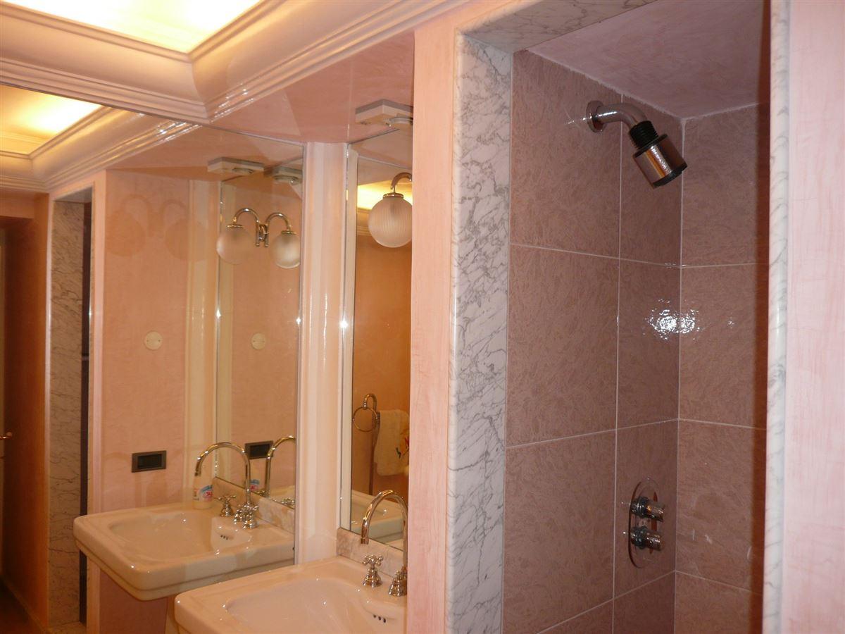Mansions in splendid fully renovated villa