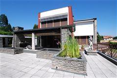 Mansions centrally located Arona villa
