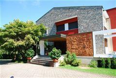 Mansions in centrally located Arona villa