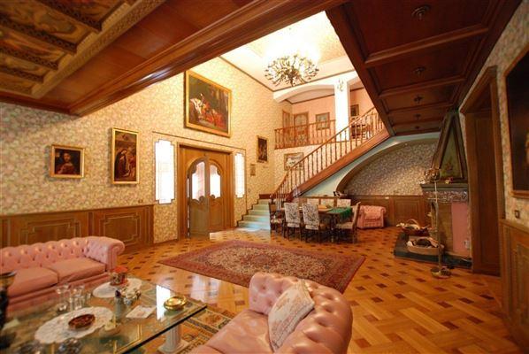 centrally located Arona villa luxury properties