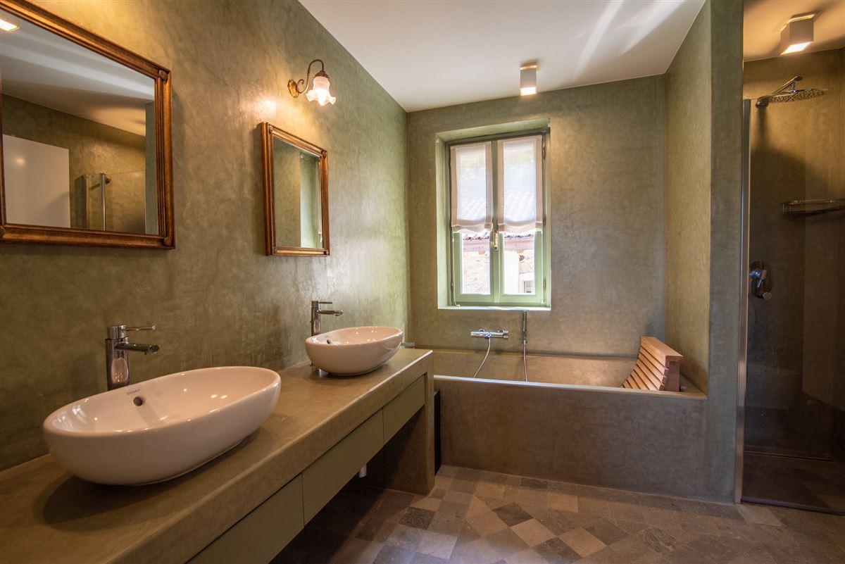 Luxury homes in period villa on Lake Maggiore