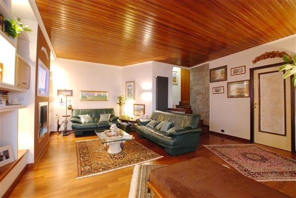 Luxury properties Luxury villa in Lesa