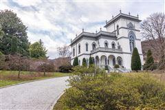 prestigious villa mansions