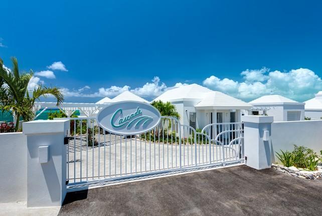 Mansions in Beachfront Villa Cascade